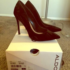 Aldo stilettos 6 1/2 black velvet heels